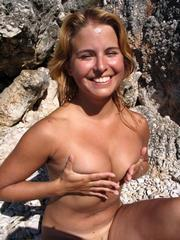 Nudist gf shows her hot naked body..