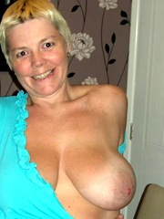 I am a sexy milf that I hope you want..
