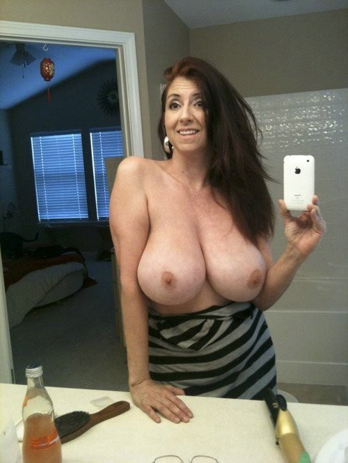 big boobs housewife photographed her huge tits, amateur boobs ...
